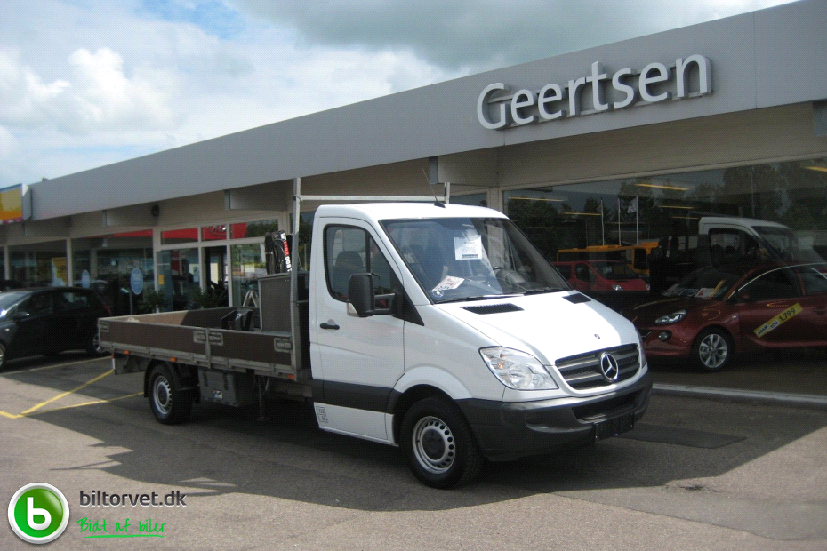 Mercedes-Benz Sprinter 219 2011 photo - 9