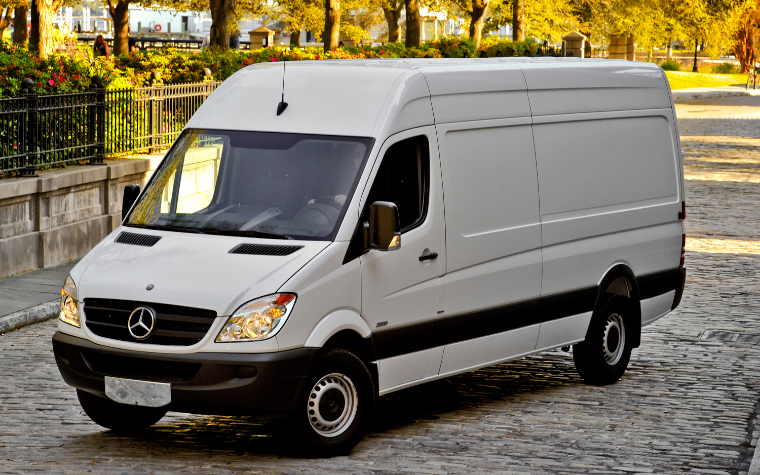 Mercedes-Benz Sprinter 224 2010 photo - 12