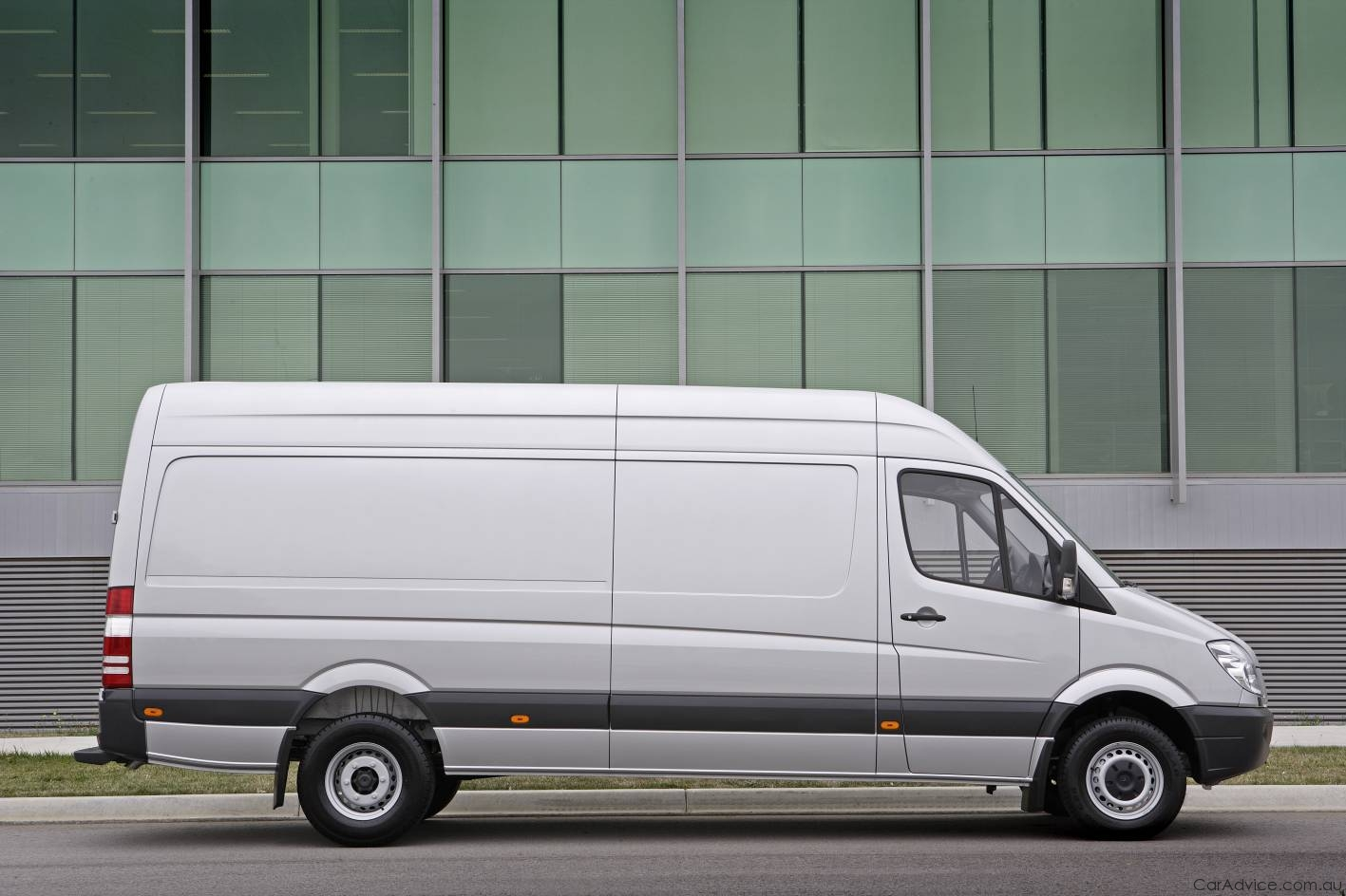 Mercedes-Benz Sprinter 224 2010 photo - 3