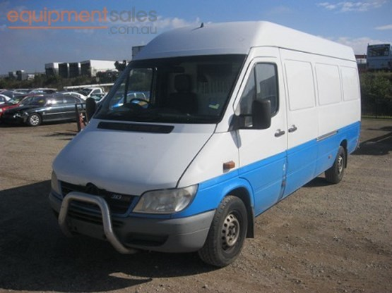 Mercedes-Benz Sprinter 309 2013 photo - 4