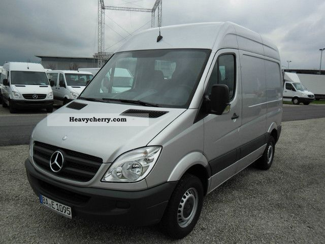 Mercedes-Benz Sprinter 310 2007 photo - 12