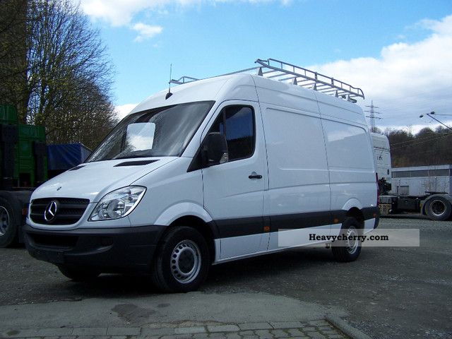 Mercedes-Benz Sprinter 310 2009 photo - 3