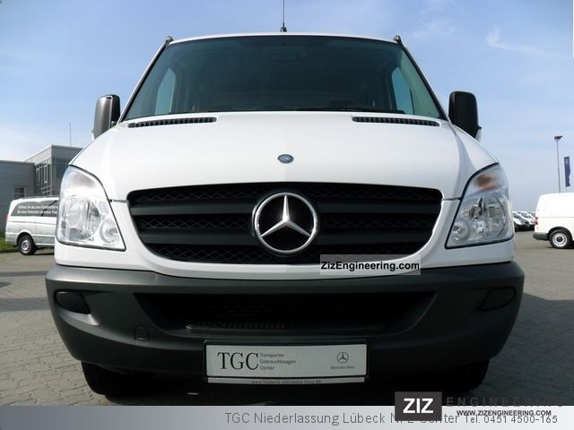 Mercedes-Benz Sprinter 310 2010 photo - 1