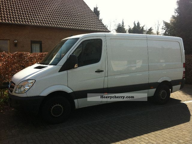 Mercedes-Benz Sprinter 310 2010 photo - 5
