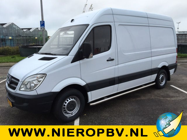 Mercedes-Benz Sprinter 310 2011 photo - 12