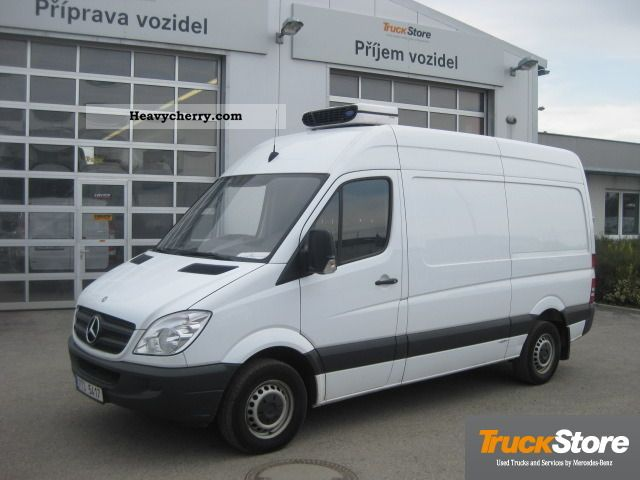 Mercedes-Benz Sprinter 310 2011 photo - 3