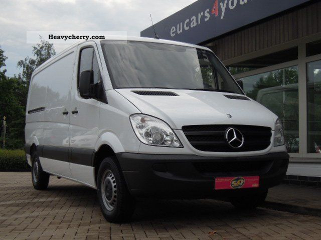 Mercedes-Benz Sprinter 310 2011 photo - 5