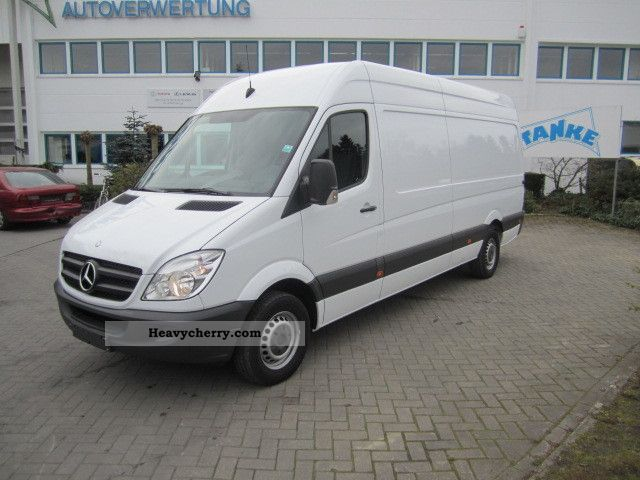 Mercedes-Benz Sprinter 310 2011 photo - 8