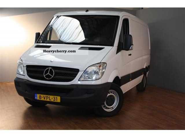 Mercedes-Benz Sprinter 311 2008 photo - 10
