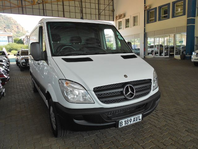 Mercedes-Benz Sprinter 311 2012 photo - 3