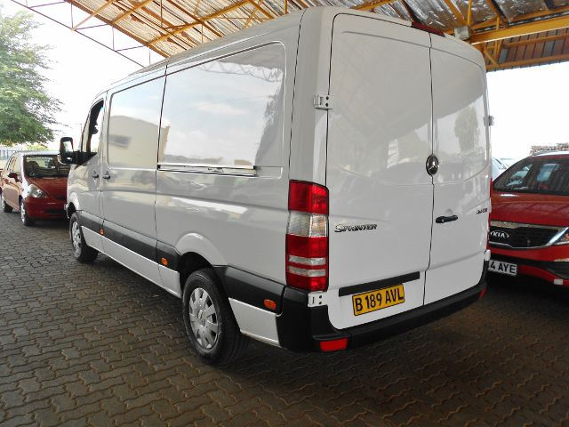 Mercedes-Benz Sprinter 311 2012 photo - 4