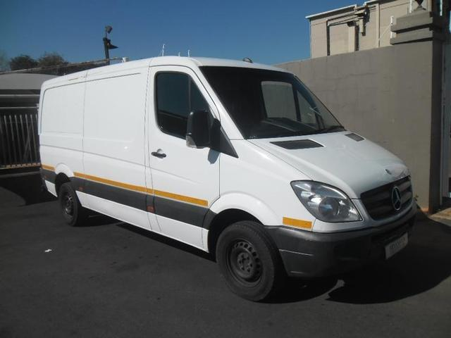 Mercedes-Benz Sprinter 311 2012 photo - 6