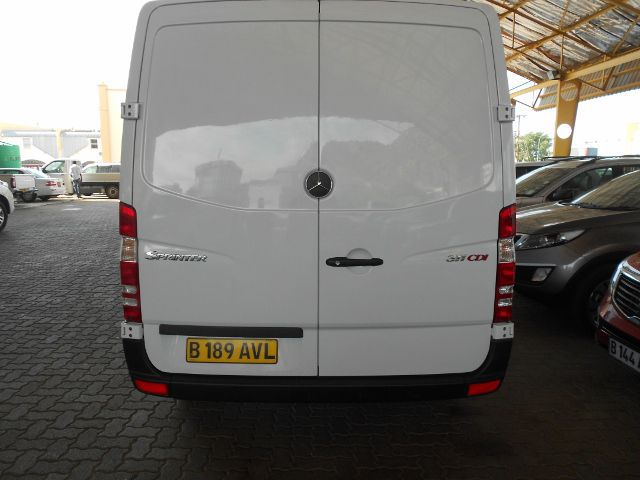 Mercedes-Benz Sprinter 311 2012 photo - 8