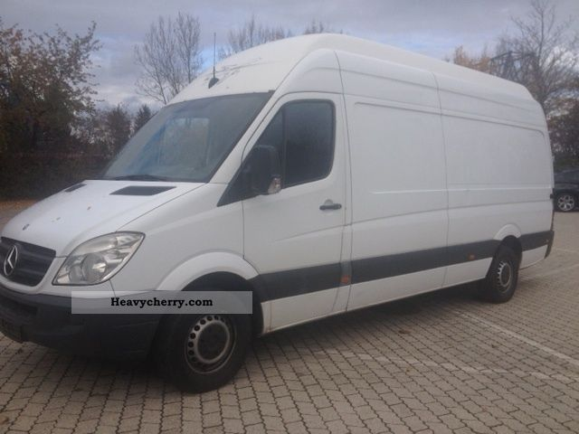 Mercedes-Benz Sprinter 315 2012 photo - 1