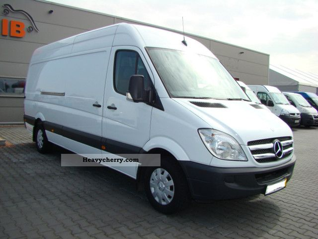 Mercedes-Benz Sprinter 315 2012 photo - 10