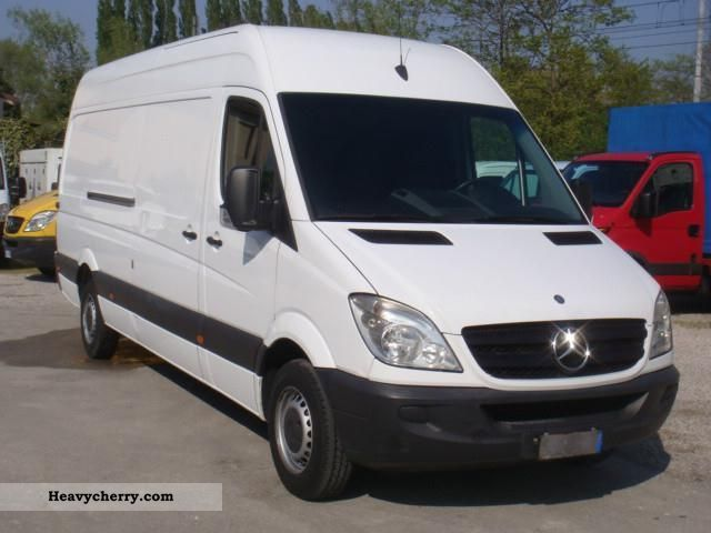 Mercedes-Benz Sprinter 315 2012 photo - 11