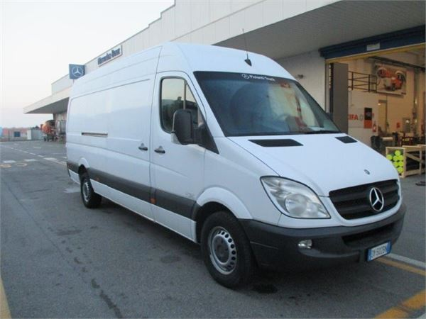 Mercedes-Benz Sprinter 319 2009 photo - 10