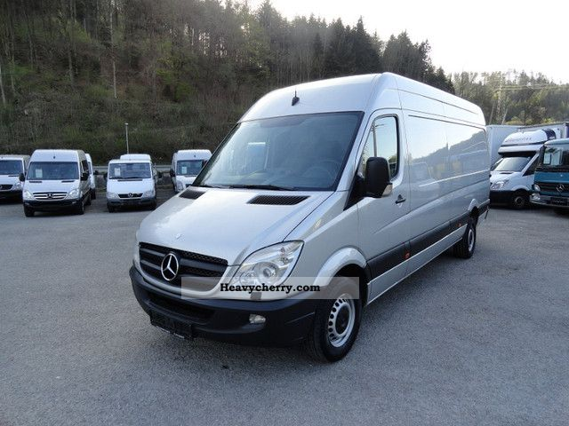 Mercedes-Benz Sprinter 319 2009 photo - 5