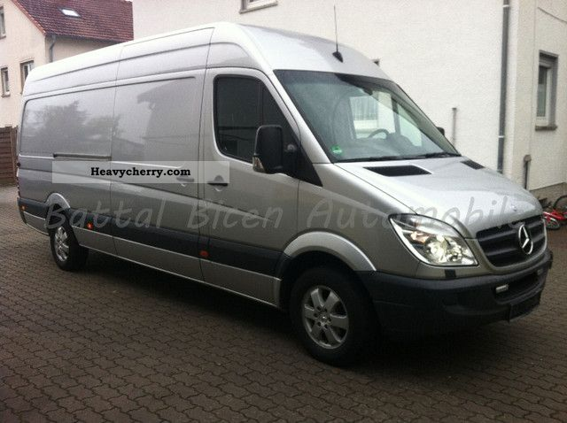 Mercedes-Benz Sprinter 319 2009 photo - 6