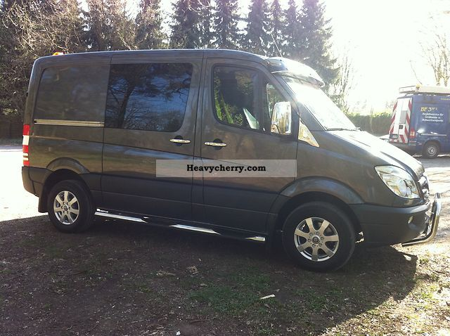 Mercedes-Benz Sprinter 319 2011 photo - 10