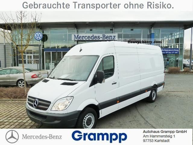 Mercedes-Benz Sprinter 319 2011 photo - 12