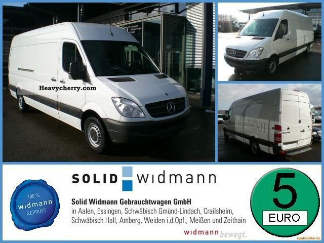 Mercedes-Benz Sprinter 319 2011 photo - 3