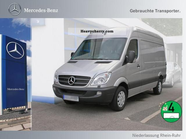 Mercedes-Benz Sprinter 319 2011 photo - 4