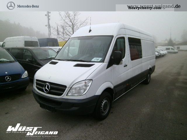 Mercedes-Benz Sprinter 319 2011 photo - 8