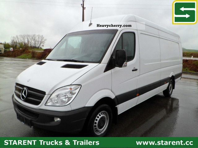 Mercedes-Benz Sprinter 319 2011 photo - 9