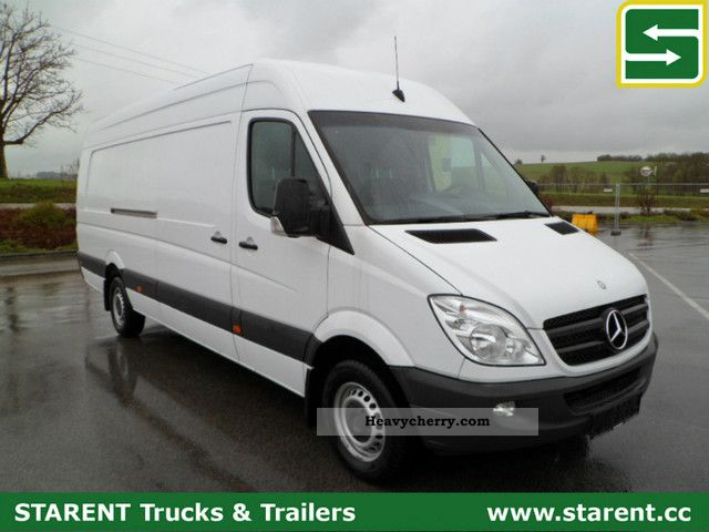Mercedes-Benz Sprinter 319 2012 photo - 12