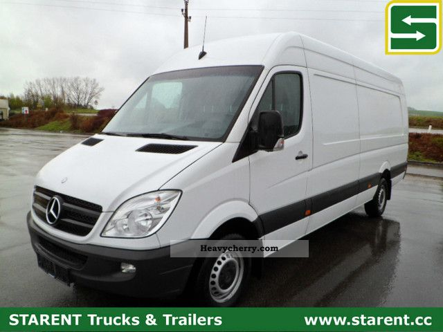 Mercedes-Benz Sprinter 319 2012 photo - 4