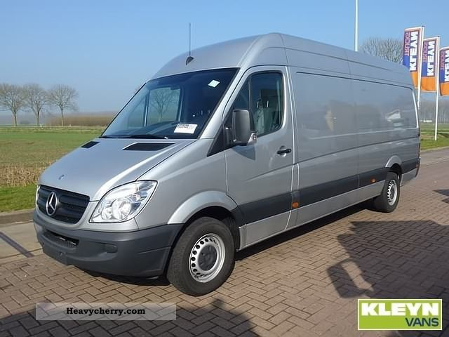 Mercedes-Benz Sprinter 319 2012 photo - 7