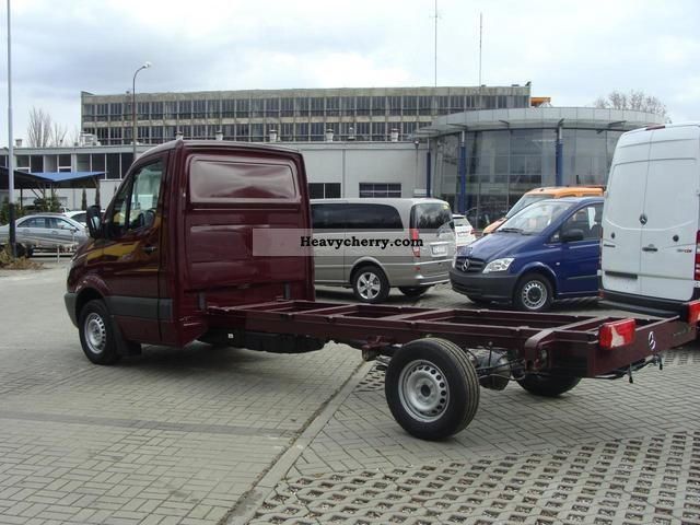 Mercedes-Benz Sprinter 319 2012 photo - 8