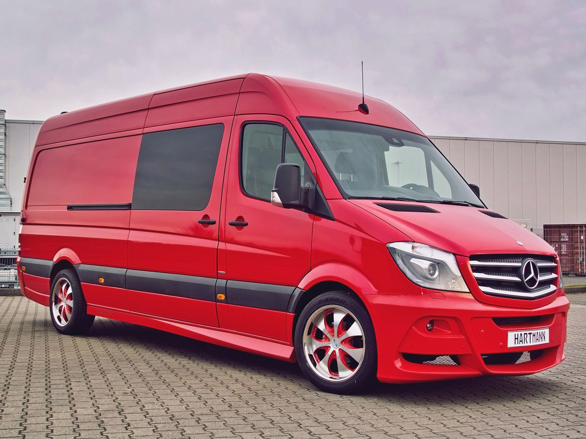 Mercedes-Benz Sprinter 319 2014 photo - 1