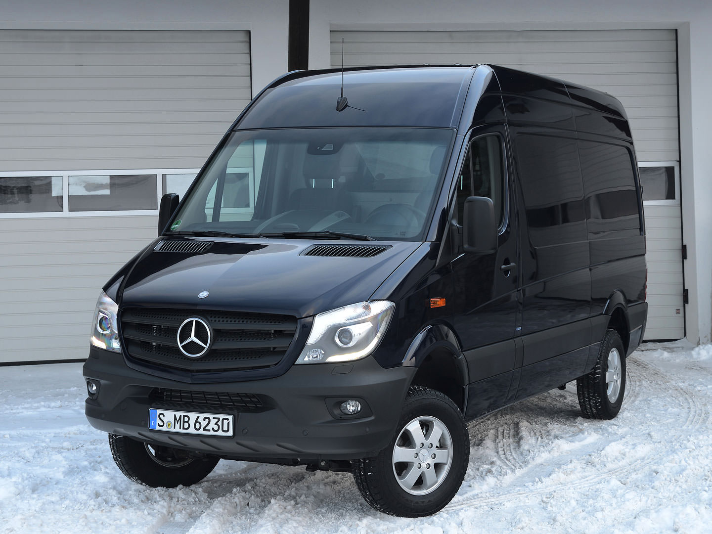 Mercedes-Benz Sprinter 319 2014 photo - 12