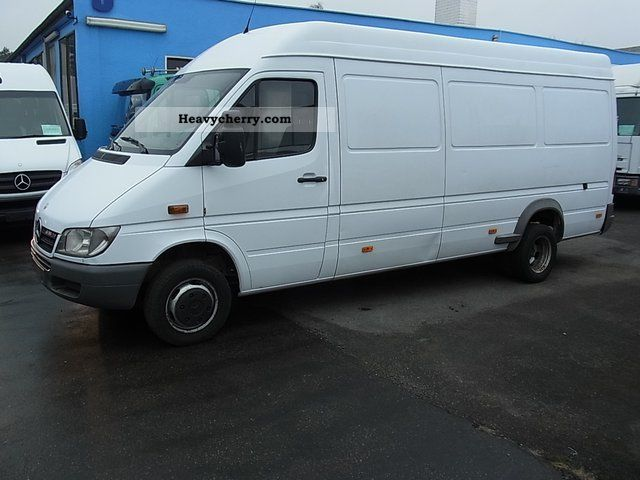 Mercedes-Benz Sprinter 324 2009 photo - 4