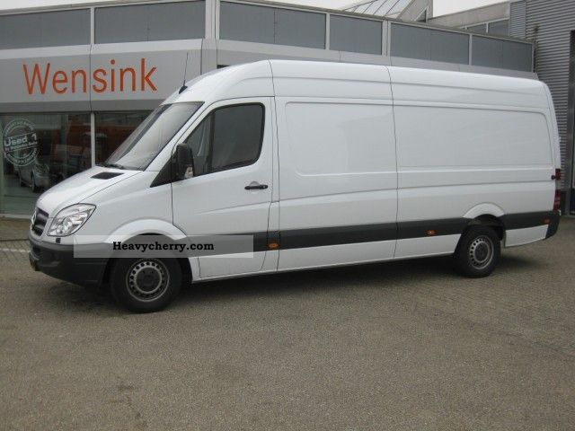 Mercedes-Benz Sprinter 324 2009 photo - 5