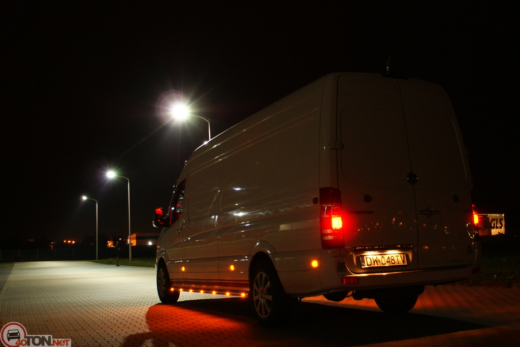 Mercedes-Benz Sprinter 324 2014 photo - 3