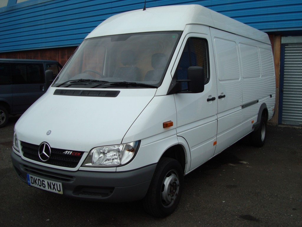 mercedes benz sprinter 411 2011 technical specifications. Black Bedroom Furniture Sets. Home Design Ideas