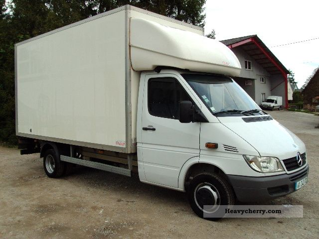 Mercedes-Benz Sprinter 411 2012 photo - 1