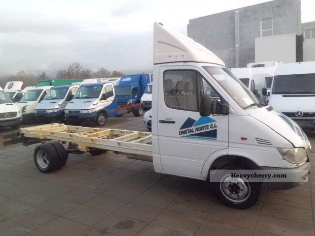 Mercedes-Benz Sprinter 411 2012 photo - 10