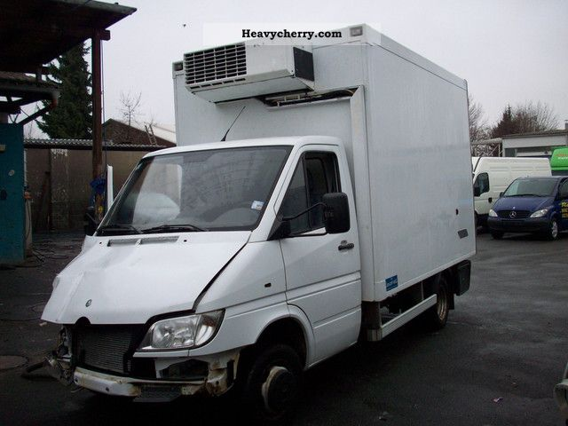 Mercedes-Benz Sprinter 411 2012 photo - 11