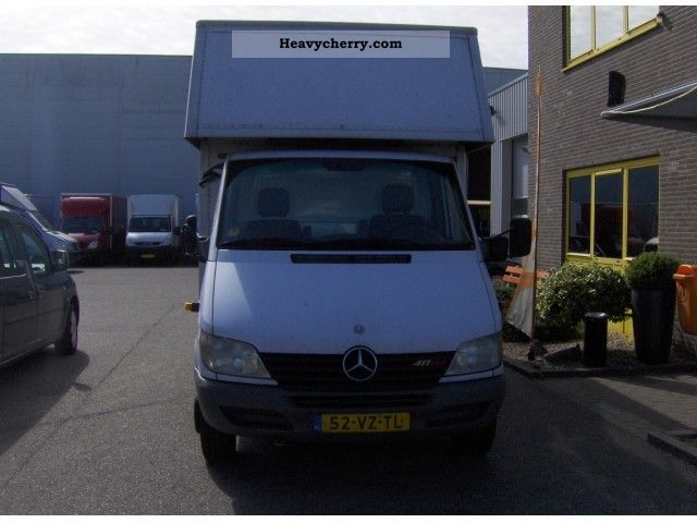 Mercedes-Benz Sprinter 411 2012 photo - 5