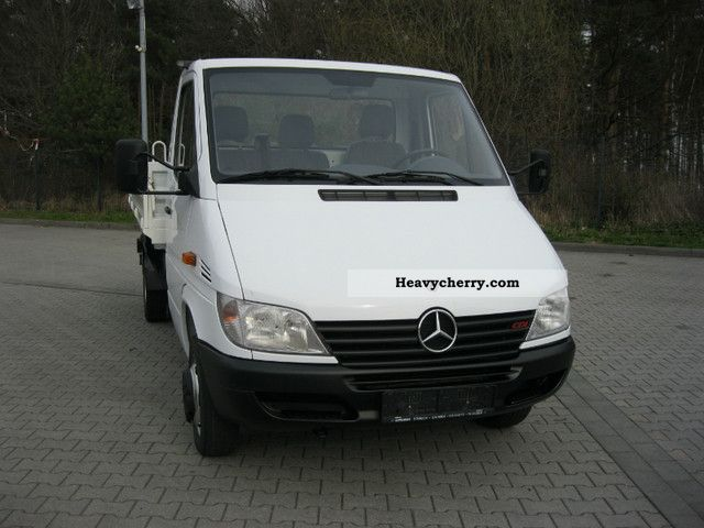 Mercedes-Benz Sprinter 411 2012 photo - 7