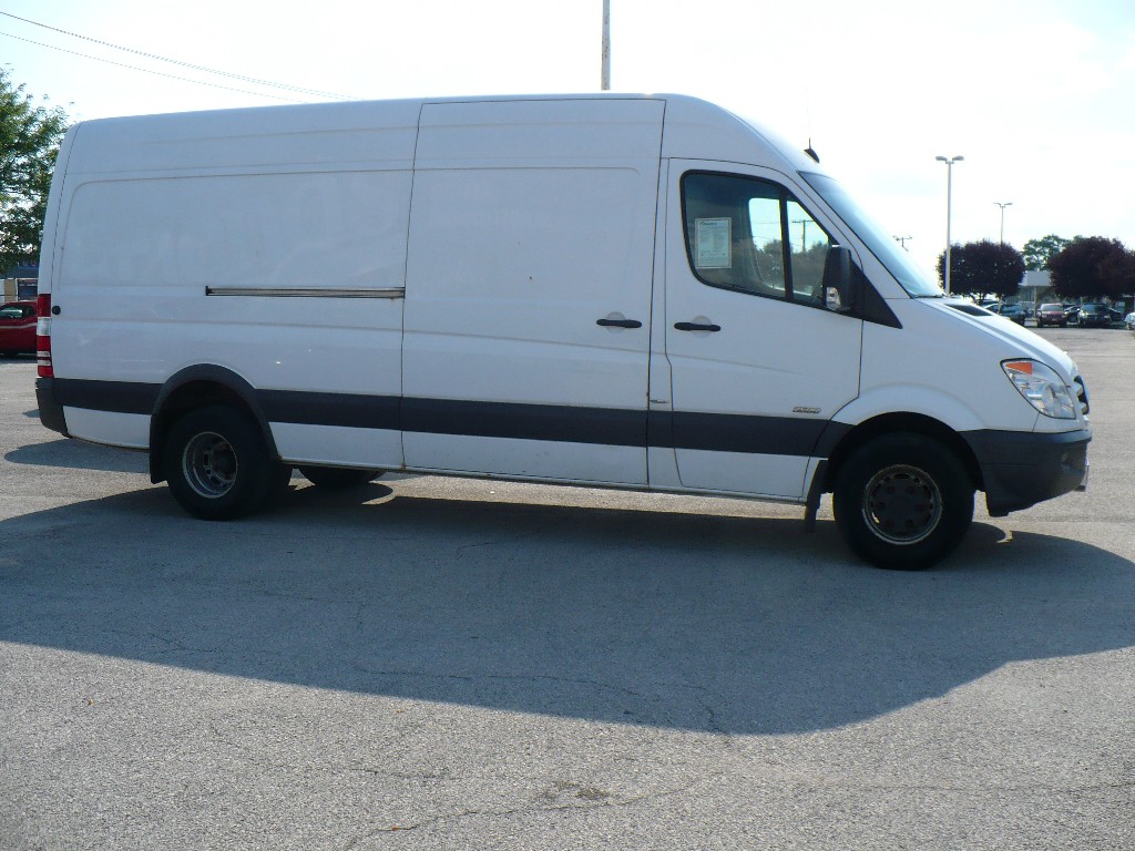 Mercedes-Benz Sprinter 415 2010 photo - 9