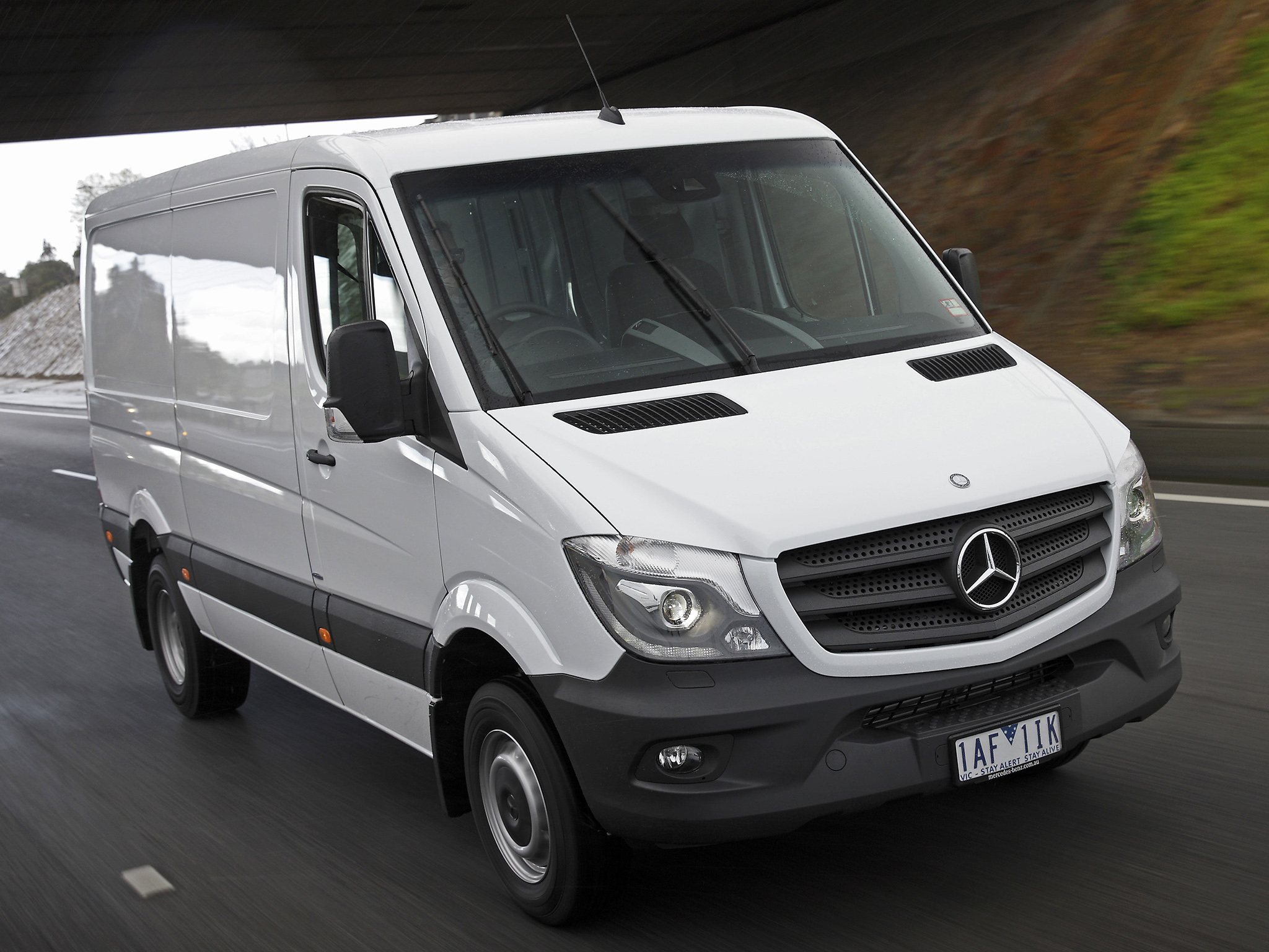 Mercedes-Benz Sprinter 416 2013 photo - 2