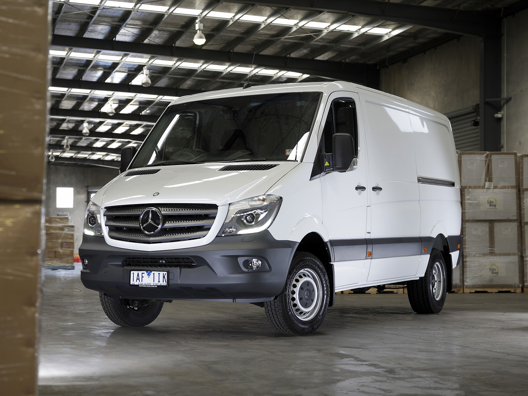 Mercedes-Benz Sprinter 416 2013 photo - 3