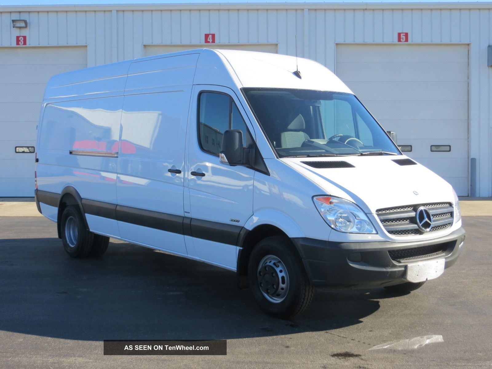 Mercedes-Benz Sprinter 418 2012 photo - 7