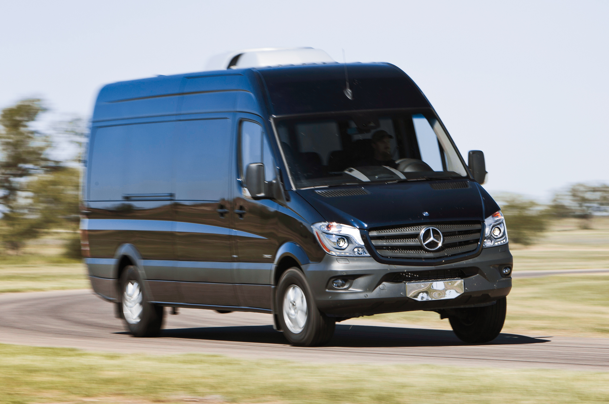 Mercedes-Benz Sprinter 424 2014 Technical specifications