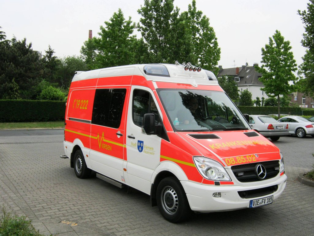 Mercedes-Benz Sprinter 511 2011 photo - 12
